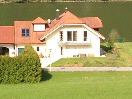 Traumhaus direkt an der Donau Nähe Passau und Linz zu vermieten: barrierefrei, Sauna, Aufzug, Whirlpool...