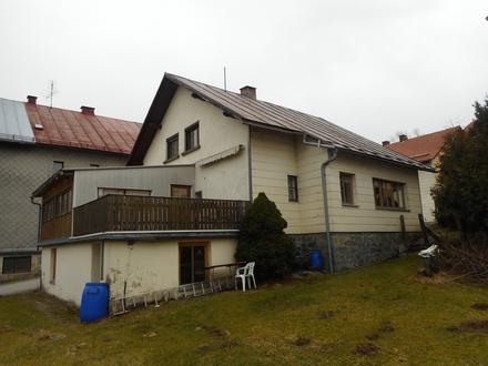 Renovierungsbedürftiges Einfamilienhaus in Sonnen