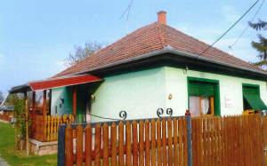 sehr gepflegtes Einfamilienhaus mit Gästehaus und großem Grundstück am Plattensee Ungarn