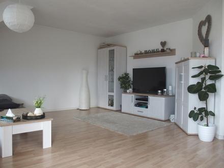Moderne, helle 3-Zimmer-Dachgeschosswohnung mit Südbalkon…