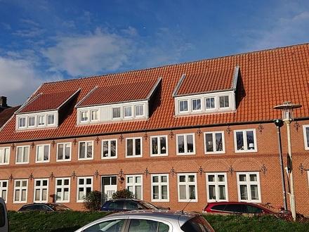 3-Zi.-Eigentumswohnung mit Blick auf den Hafen und das ehemalige Rantzau-Palais in Glückstadt
