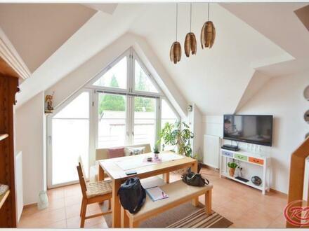 Charmante und geräumige Wohnung auf 2 Ebenen++Robert Decker Immobilien++