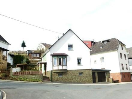 Gepflegtes Einfamilienhaus mit Garten und Garage in guter Lage von Netphen-Dreis-Tiefenbach