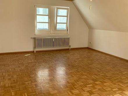 Geräumige & zentrale 4-Zimmer-Wohnung mit 2 Balkonen