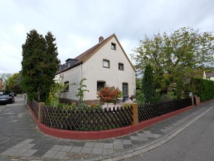 Doppelhaushälfte auf Eckgrundstück in Mannheim-Gartenstadt