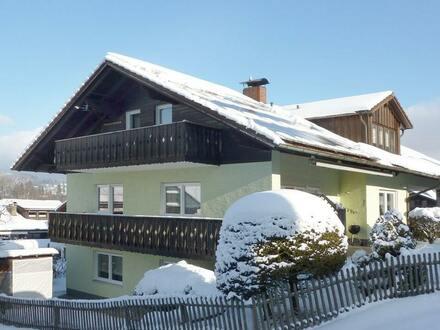 Gepflegtes Einfamilienhaus mit Einliegerwohnung in Zwíesel