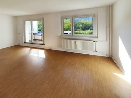 **Familien Willkommen** 4-Zimmer // Balkon // Erdgeschoss // Bad mit Wanne // ab sofort