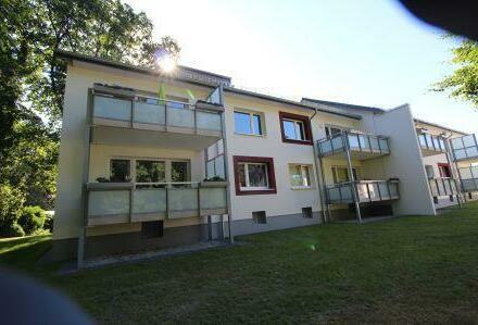 Komplett modernisierte 3- Zimmer-Wohnungen. Mit Balkon.