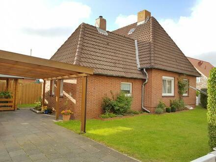 Selten - Siedlungshaus mit schönem Eckgrundstück sucht neuen Besitzer