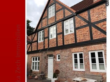 Exklusive Doppelhaushälfte in ruhiger Lage von 25335 Elmshorn