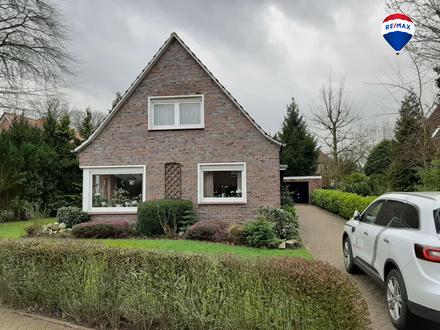 Großzügiges Einfamilienhaus mit 6 Zimmern und ca. 800 qm Sonnengarten zentrumsnah zu verkaufen.