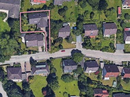 Außergewöhnlich, edle 6 Zimmerwhg., ca. 160 m²-Wfl. plus Terrasse, Garten u. Garage in Neusäß