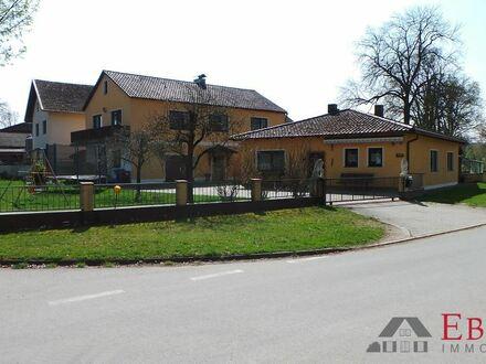 Ansicht Wohnhaus und Bungalow