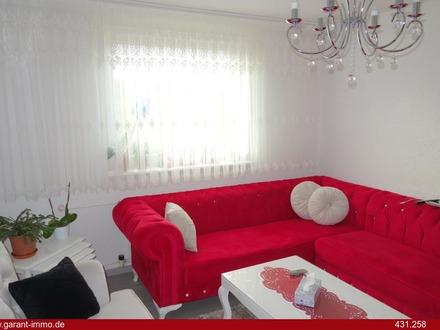 Moderne 4 Zimmer-Wohnung mit Balkon