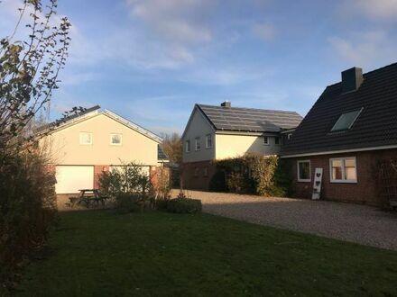 Niebüll, Großes Einfamilienhaus mit 2 Mietwohnungen, Toplage