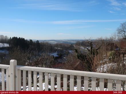 Sonnig, ruhig mit herrlichem Blick übers Tal und nur ca. 10 Autominuten von Bayreuth entfernt!