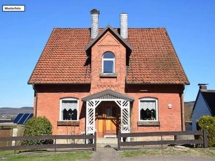 Teilungsversteigerung Doppelhaushälfte in 73431 Aalen, Im Pflaumbach