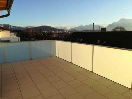 NEUE 1.5-Zimmer Dachgeschoss-Terrassen-Wohnung mit Panoramablick