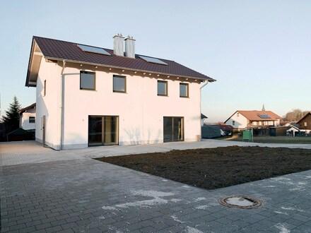 Neubau-Doppelhaushälfte in Neumarkt-Sankt Veit