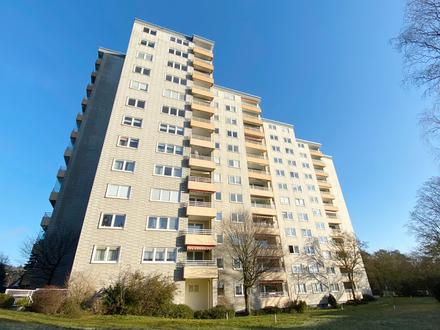 Mit Balkon und Einbauküche: 3-Zimmer-Wohnung im 4. OG