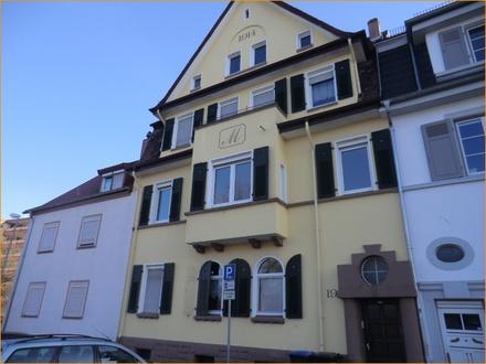 Studiowohnung (DG) in Homburg- Mitte!