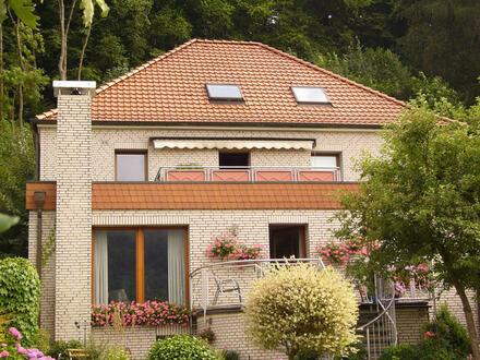 In zentraler Wohnlage von Porta Westfalica - 3-Zimmer-Dachgeschoss-Wohnung