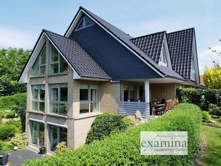Exklusive Villa mit besonderer Architektur! Gehobene Ausstattung mit Pool und Wellnessbereich!