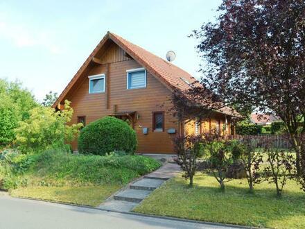 Holzhaus mit besonderem Raumklima und Doppelcarport in Haren-Wesuwe