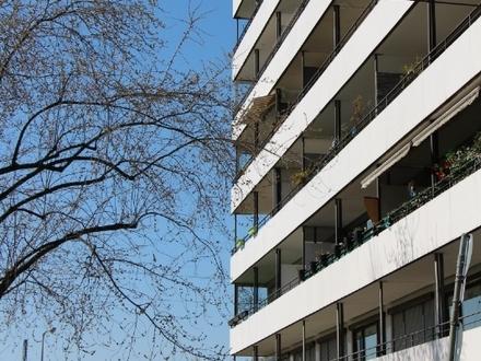 Hey Studenten/-innen aufgepasst!! Top Lage mit Balkon und TG Platz!