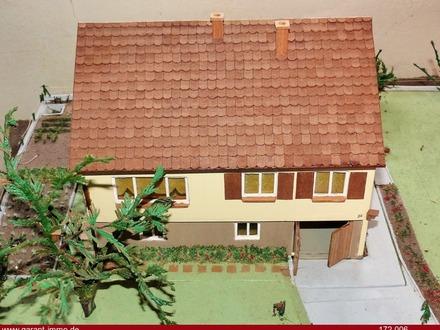Freistehendes Einfamilienhaus auf großem Grundstück sucht liebevollen Renovierer