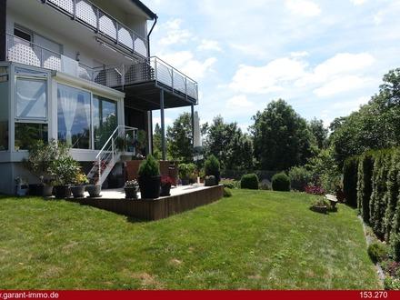 Hier ist Generationenwohnen möglich, Dreifamilienhaus mit Garten in Ortsrandlage !