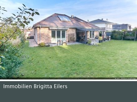 Mit Wertgutachten! Bungalow (128 m²) mit ausgebautem Dach (35 m²) und Einliegerwohnung (45 m²)