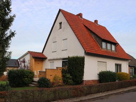 Lübbecke - Gepflegtes Einfamilienhaus mit großem Garten in zentrumsnaher Lage!