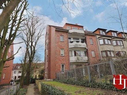 Single-Wohnung mit Balkon wartet bezugsfrei auf Sie!!