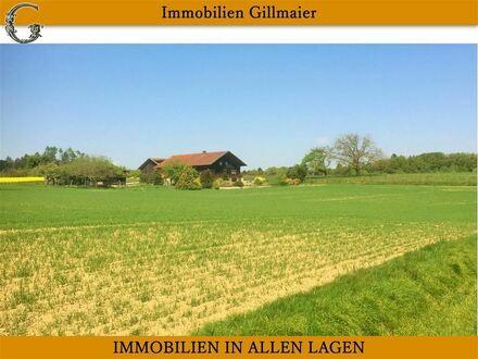Immobilien Gillmaier - Rottaler Bauernhaus mit ca. 8.000 m² Grund in sonniger Lage!
