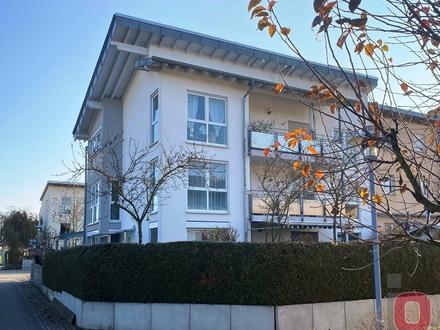 Dachterrassen-Feeling - Schöne 4-ZKB-DG-Wohnung mit Dachterrasse und Balkon im 3-Fam.-Haus