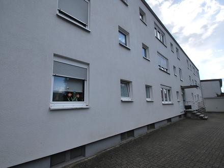 4 Zimmer, Küche, Bad mit Balkon zu vermieten