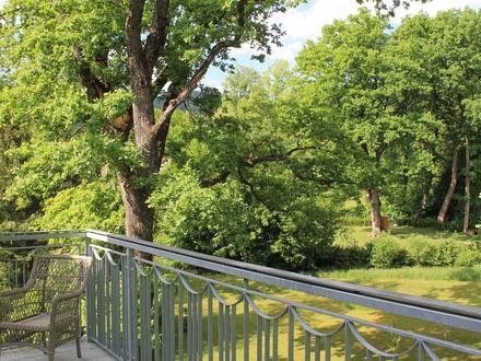 Salzburg Aigen: Elegante Dachgeschoßwohnung mit Terasse am Fuße des Gaisbergs