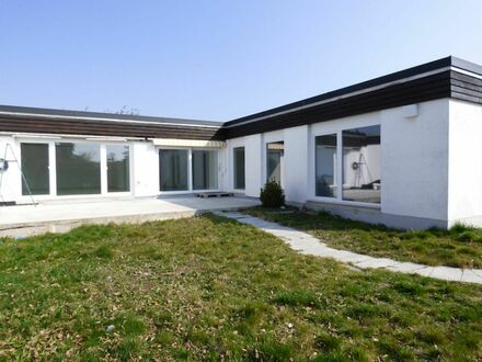 NEU renoviertes + SOFORT freies 1 4 4 qm WINKEL- BUNGALOW in BESTLAGE von Nbg.-WEIHERHAUS