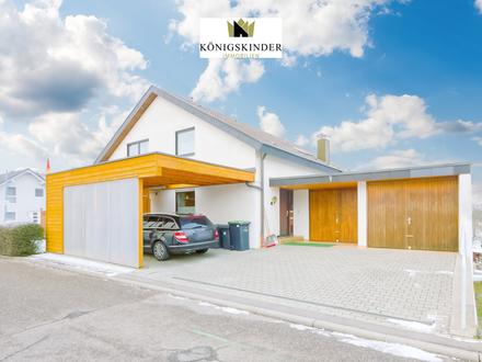 Schicke 3,5-Zimmer-Wohnung mit Carport und Garage