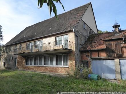 Für Leute mit Platzbedarf: Großes, sanierungsbed. Wohnhaus mit ehem. Gaststätte in ländlicher Lage