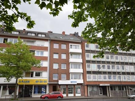 Direkt an der Weser ! Sanierte Stadt-Wohnung mit neuem Bad und Blick auf die Weser