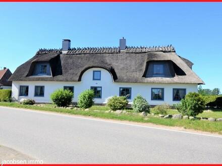""""""" Jeder Tag ein Urlaubstag """" - Modernisiertes Reetdachhaus in Angeln"""