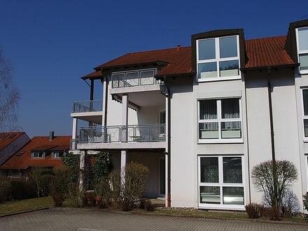 Saniertes, helles 1-Zimmer-Appartement mit neuwertiger Einbauküche und Dachterrasse