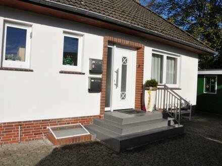 Modernisiertes Ein–/ Zweifamilienhaus in Ofenerdiek!