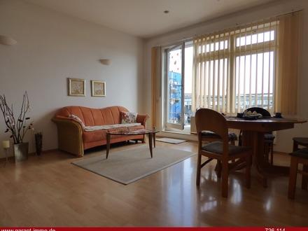 *** Charmante 3 Zimmer-Dachgeschoss-Wohnung mit Penthousecharakter und Tiefgaragenstellplatz ***