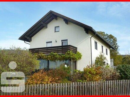Schmuckes Einfamilienhaus mit Einliegerwohnung bei Drachselsried