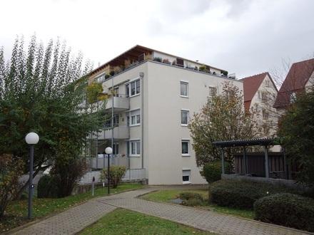 Gepflegte 4 Zimmer-City-Wohnung mit 87 m² DIN-Wfl., EBK, Südbalkon und 2 TG-Stellplätze in ruhiger Stadtlage