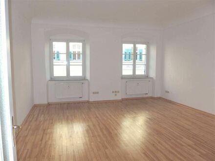 2-3-Zi.-Whg., zentral in einem renov./modernisierten Altstadthaus
