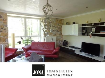 Moderne und großzügige 5-Zimmer-Wohnung mit sehr hochwertigen Materialien liebevoll renoviert